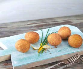 Kotlety (croquetas) z łososia i ziemniaków
