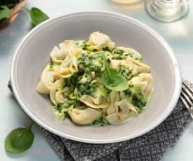 Tortelloni s gorgonzolou a špenátem - z jednoho hrnce