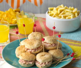 Minipanes de hamburguesa con relleno de pavo y manzana