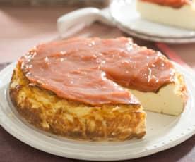 Tarta de queso con dulce de membrillo y manzana