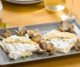 San jacobo de merluza al vino blanco con berberechos