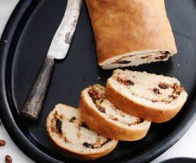 Pão de frutos secos e maçã
