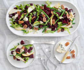Beetroot, pear and blue cheese salad