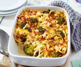 Brokkoli-Spätzle-Auflauf mit Käse-Schinken-Sauce