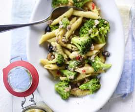 Penne mit Brokkoli und Salsiccia