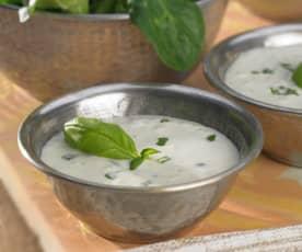 Basilikum-Joghurt-Dressing