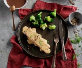Salmone con salsa all'aneto, broccoli e riso; Dessert al cioccolato