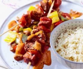 Schaschlik mit Paprika und Reis