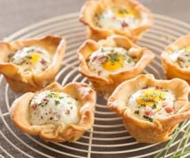 Tartaletas de huevo y jamón