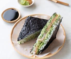 Sandwich de sushi (Onigirazu)
