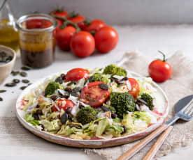 Sałatka z czerwonej fasoli, brokułu i pestek dyni