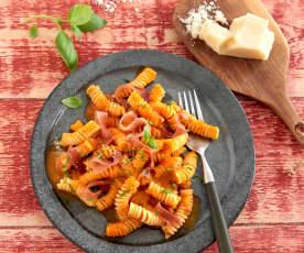 Sauce tomate-basilic et jambon cru