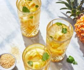 Ananas-Eistee-Bowle