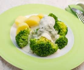 Brokolice s bramborami a sýrovou omáčkou