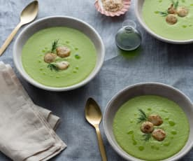 Pea and lettuce soup with scallops