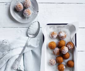 Apricot and carrot bliss balls