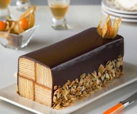 Baumkuchen con cobertura de chocolate