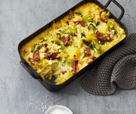 Kartoffel-Kürbis-Auflauf mit Wirsing und Cabanossi