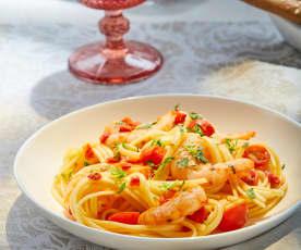 Camarones picantes con ajo y tomate cherry