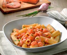 Tortiglioni mit Lachs und Crevetten