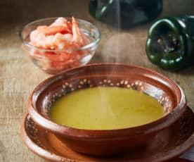 Sopa de camarón y hoja santa