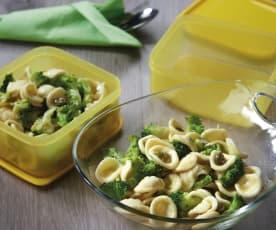 Orecchiette e broccoli alla marinara