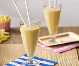 Batido de frutas con leche de almendras