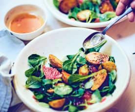 Mâche aux pommes de terre rôties, jus d'agrumes