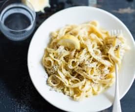 Menu petit prix - Tagliatelles maison, sauce crémeuse au citron et au pavot