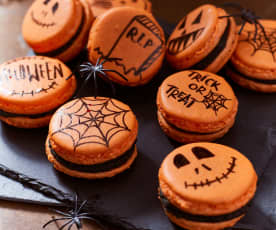 Halloween-Macarons mit Erdnusscreme