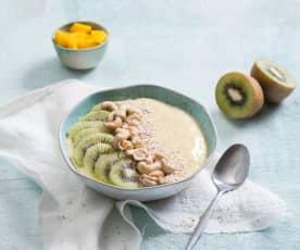 Smoothie bowl z mango i nasionami chia