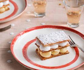 Milhojas caramelizado con crema y merengue