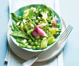 Salade tiède de légumes, vinaigrette aux herbes