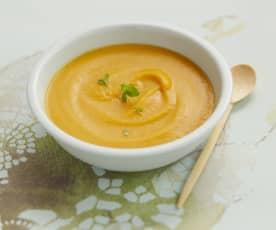 Süßkartoffel-Cremesuppe mit Orange