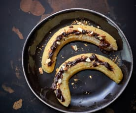 Cozer 6 bananas com chocolate