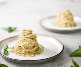 Spaghetti z kremowym sosem z bakłażana