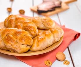 Pletence s vlašskými ořechy a slaninou
