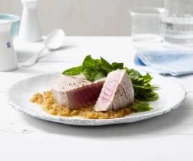 Thunfischsteaks mit cremiger Zwiebelsauce