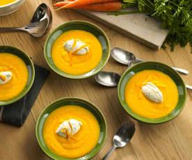 Sopa fría de zanahoria y naranja con nata al eneldo
