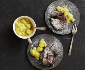 Warmes Schokoküchlein mit Ananas