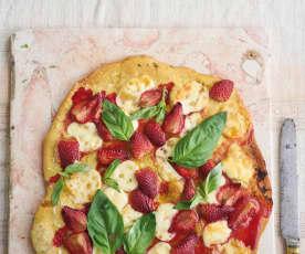 Piza de morango, mozarela e manjericão