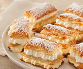 Milhojas con crema pastelera y nata