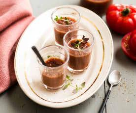 Gaspacho de tomate aux cerises noires