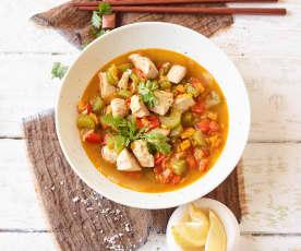Asia-Gemüse-Suppe mit Hähnchen