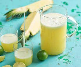 Limonada de abacaxi e lima