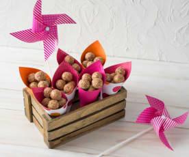 Strawberry amaze-balls