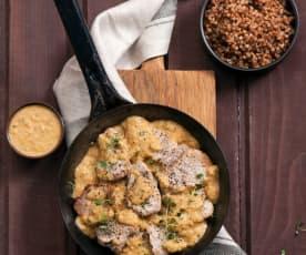 Polędwiczki wieprzowe w sosie cebulowym