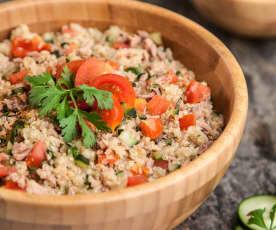 Tabbouleh z komosą ryżową i tuńczykiem