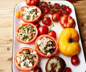 Tomates rellenos de atún y calabacín