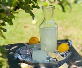 Lemoniada z melisą